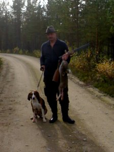 Finnish Hound Taru and Rauno Manelius